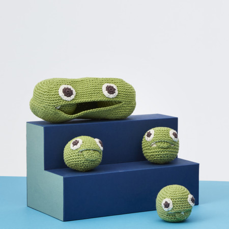 MyuM Green Pea Family Rattle